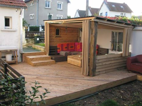 Terrasse bois palette esprit cabane idees creatives et ecologiques - Creation en palette ...
