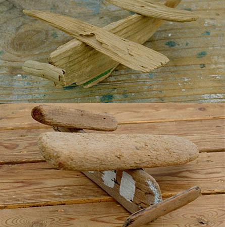 Avions en bois flotté