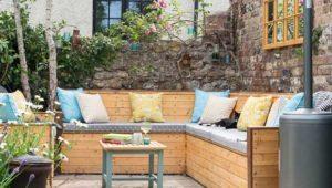 Inspiration : Un charmant salon de jardin <br>dans un patio anglais