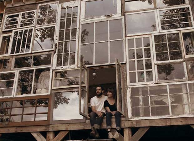 Up-cyclage : La cabane en fenêtres <br>de Nick Olson & Lilah Horwitz