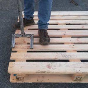 DIY : Fabriquer un démonte-palette en métal