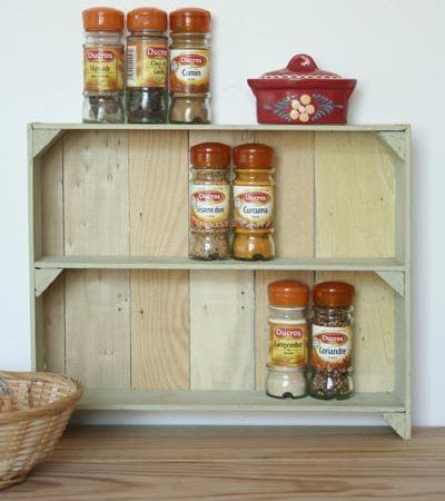 DIY : Etagére à épices en cagettes