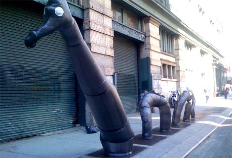 Street Art : Animaux en sac poubelle