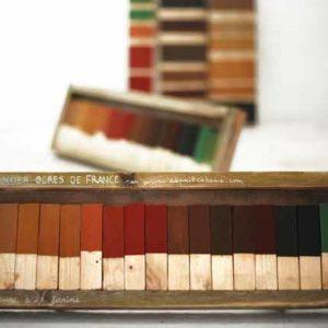 Ocres et terres colorantes : le nuancier<br> de la peinture à la farine