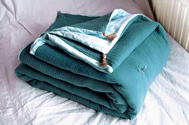 DIY : Un plaid matelassé<br>avec une ancienne couverture en laine