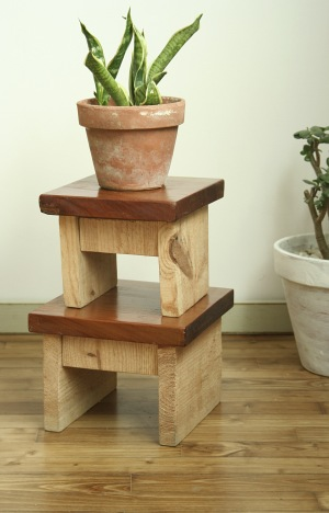 tabouret en bois esprit cabane idees creatives et ecologiques. Black Bedroom Furniture Sets. Home Design Ideas
