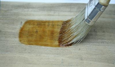 Vernis l alcool et la gomme laque esprit cabane - Vernir un meuble en bois ...