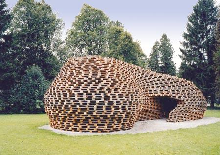 Maisons en palettes esprit cabane idees creatives et - Faire une terrasse avec des palettes ...