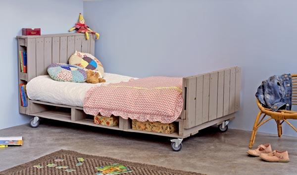 lit enfant en palette esprit cabane idees creatives et ecologiques. Black Bedroom Furniture Sets. Home Design Ideas