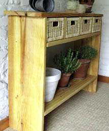 Console bois et osier esprit cabane idees creatives et for Huiler un meuble