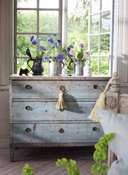 commode patin e shabby chic. Black Bedroom Furniture Sets. Home Design Ideas