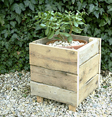 bac en bois rustique esprit cabane idees creatives et ecologiques. Black Bedroom Furniture Sets. Home Design Ideas