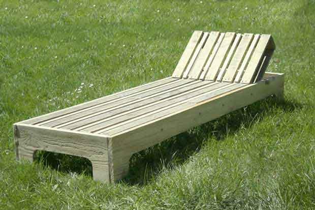 Fabriquer une chaise longue à partir de palettes recyclées ...