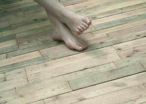 Terrasse bois palette esprit cabane idees creatives et - Europe cloture materiaux ...