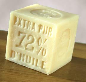Les vertus du savon de marseille esprit cabane idees - Savon de marseille veritable ...