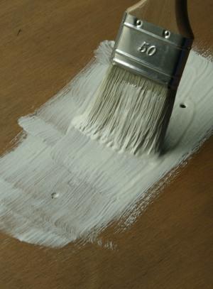 Le gesso esprit cabane idees creatives et ecologiques - Peinture pour patiner un meuble en bois ...