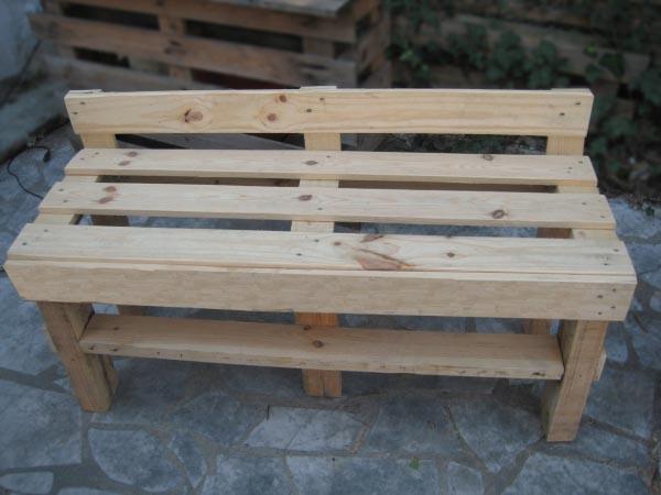 Fabriquer terrasse bois palette diverses - Fabriquer un banc en bois de palette ...