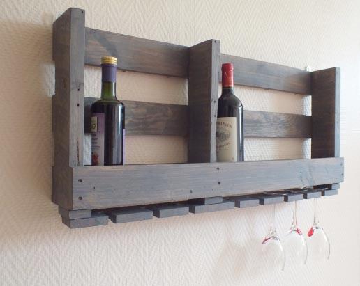 Cr atrice de meubles en bois de palettes esprit cabane for Etagere de cuisine en palette