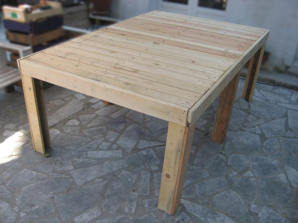 Table jardin - Table de salon de jardin en palette de bois ...